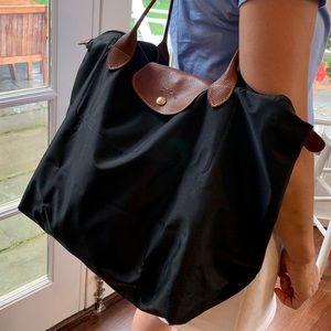 """Black Longchamp Le Pliage tote 12""""x 19"""""""
